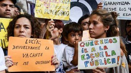 Docentes y alumnos se organizan y reclaman vacantes para todos