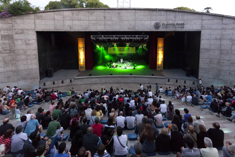 Música latinoamericana en el Parque Centenario