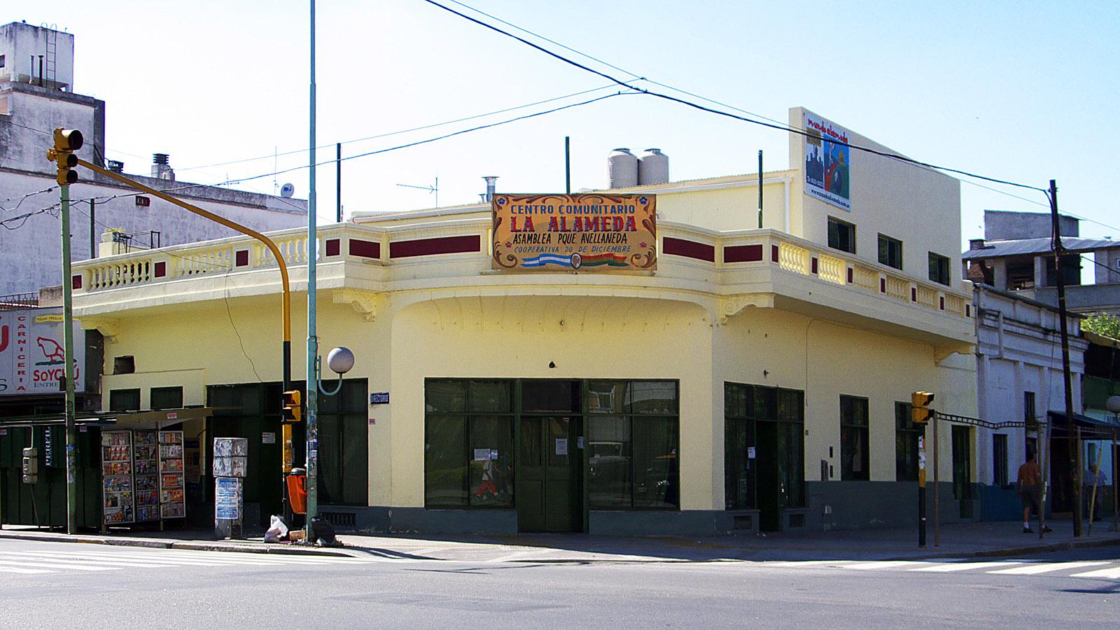 Denuncian espionaje a La Alameda