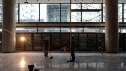 Por mal tiempo, se postergó la reinauguración del Teatro San Martín y crecen las críticas