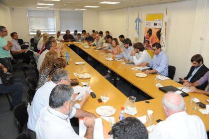 Ciudad ofertó un 35,6% de aumento a los docentes y está cerca un acuerdo