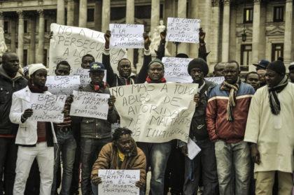 Maltratados por ser inmigrantes, negros y vendedores ambulantes