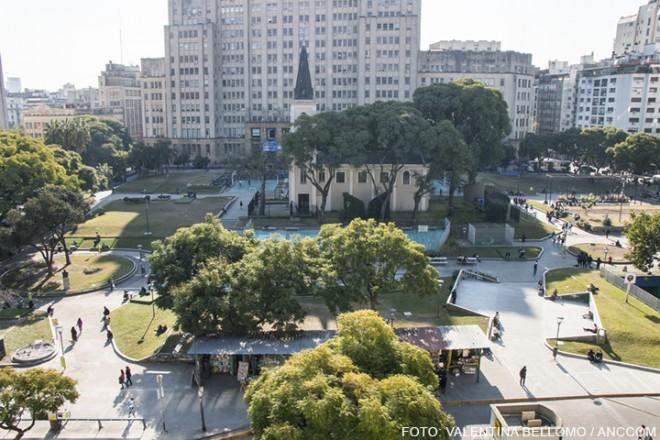 La plaza Houssay será concesionada para construir un polo gastronómico y cultural