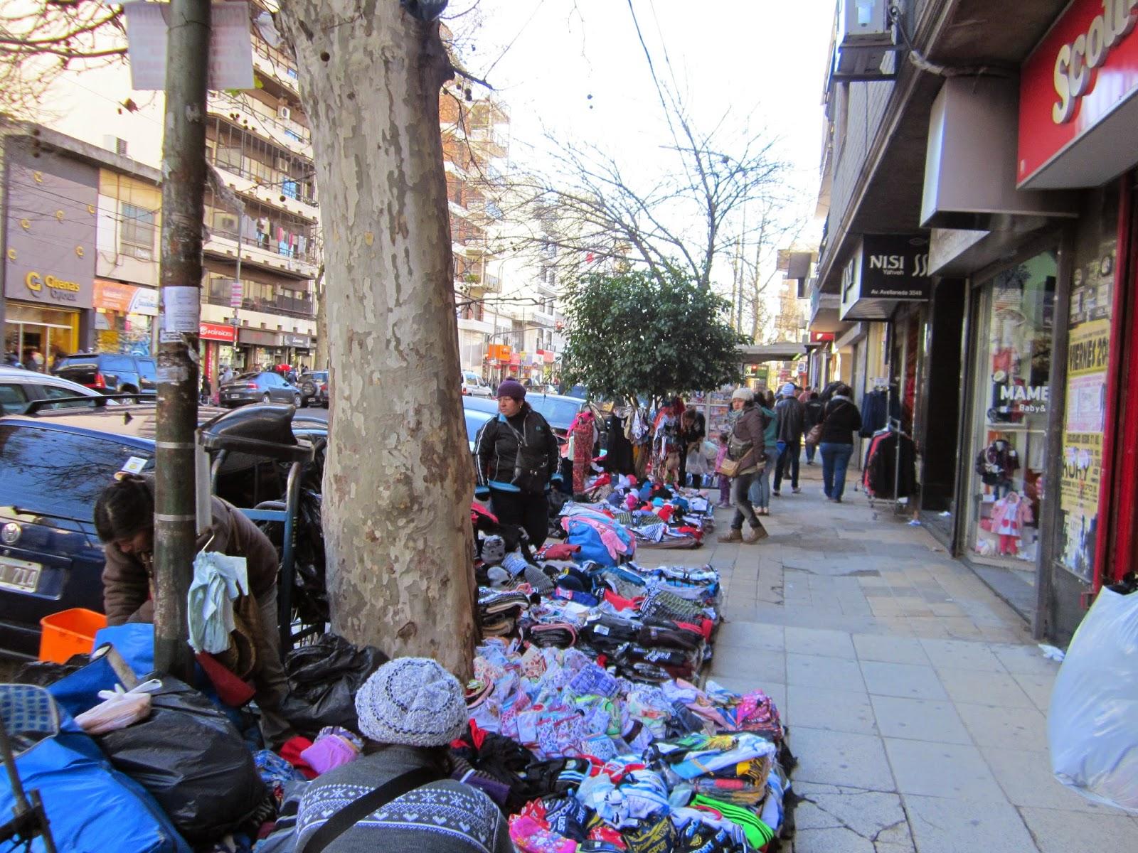Las pymes, preocupadas por la vuelta de la venta ilegal a Flores tras el desplazamiento del titular de la Aduana