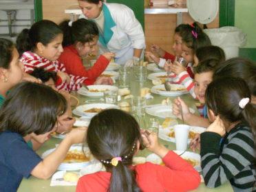 Exigen mayores controles en los comedores escolares de la Ciudad
