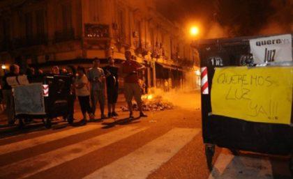 """Cortes de luz en la Ciudad: """"Los usuarios tiene derechos a ser indemnizados por las empresas"""""""