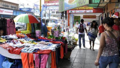 Buscan impedir el avance de la venta ilegal en las Ferias