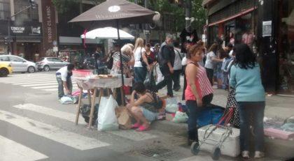 Según FECOBA, en la calle Avellaneda hay más de 660 manteros
