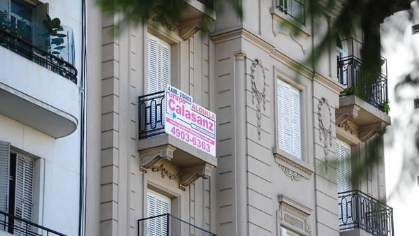 La justicia confirmó que las inmobiliarias no pueden cobrarle a los inquilinos más de un mes de comisión