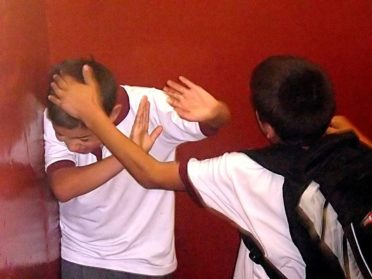 Buscan implementar acciones para enfrentar el Bullying en las escuelas porteñas