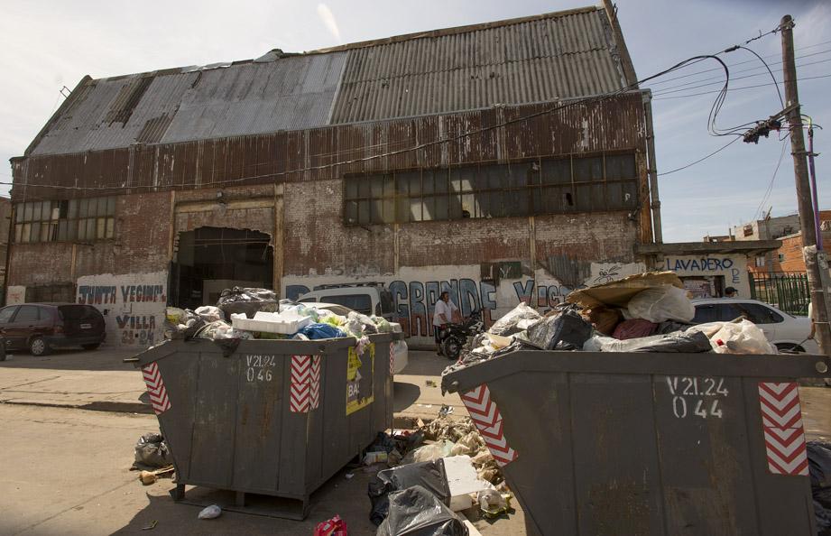 Piden más controles de los servicios de limpieza y recolección de residuos en las villas