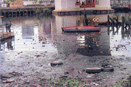 Aguas turbias bajo la Ciudad