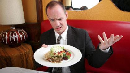 Buscan que en los restaurantes, a la hora de la cuenta, no te comas el sapo