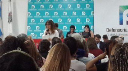 Acuña se reunió con los estudiantes y prometió debatir la reforma educativa