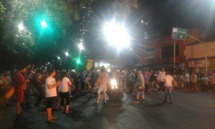 Las cacerolas se escucharon con fuerza en la Comuna 10
