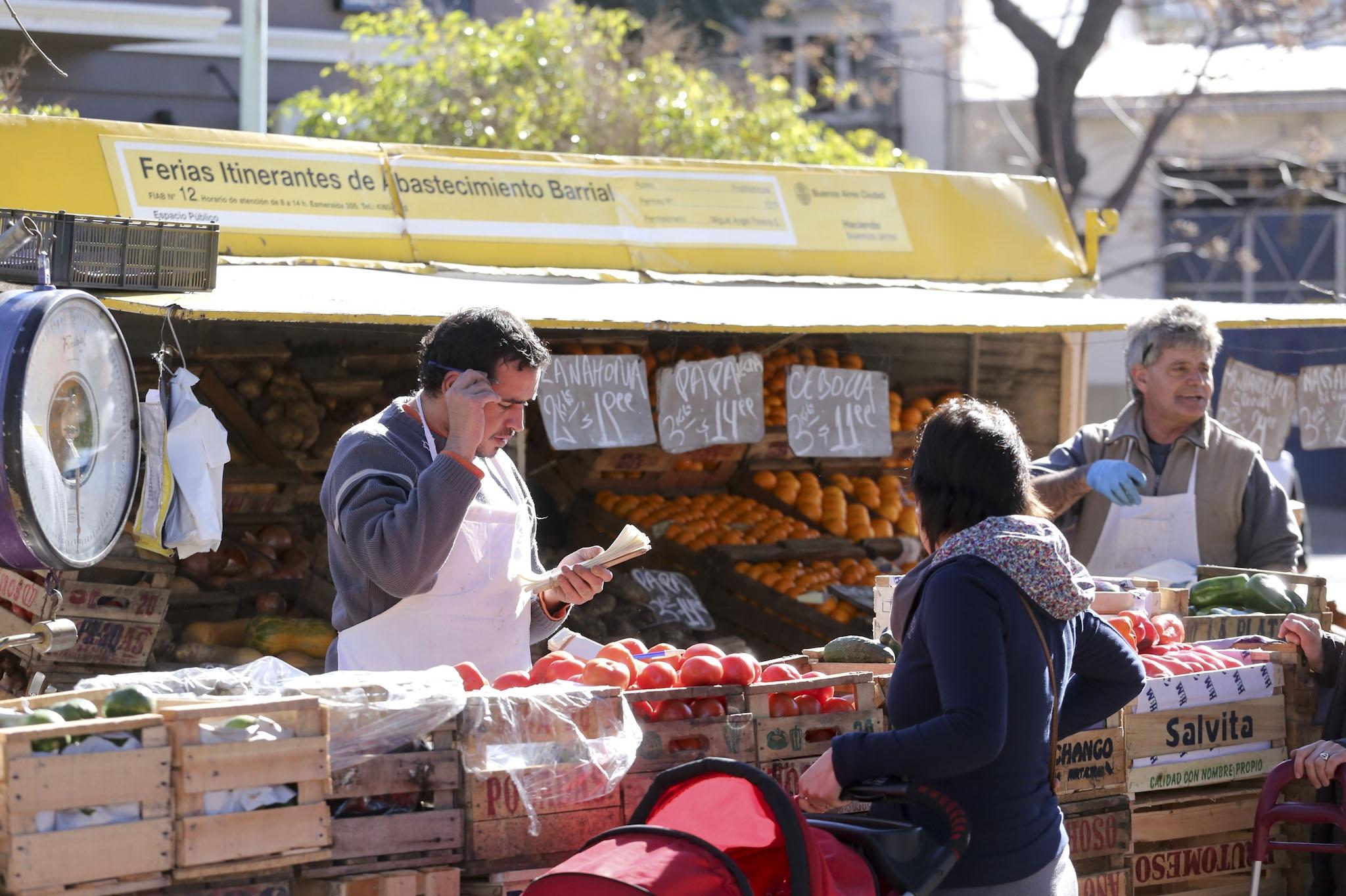 Las Ferias Barriales incorporan un Menú Navideño
