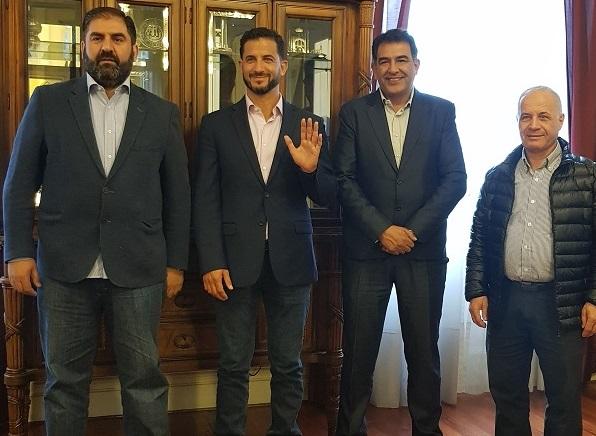 Tombolini visitó un centro islámico y otro que recuerda a las víctimas judías del Holocausto