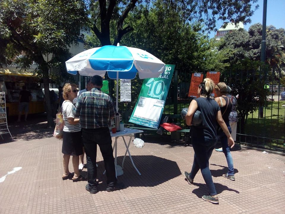 Baños en parques públicos | Jornada de difusión y apoyo en la Plaza Vélez Sarsfield