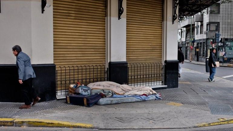 La calle no es un lugar para vivir | Convocan a los vecinos de la Comuna 10 a participar del Censo popular de personas en situación de calle