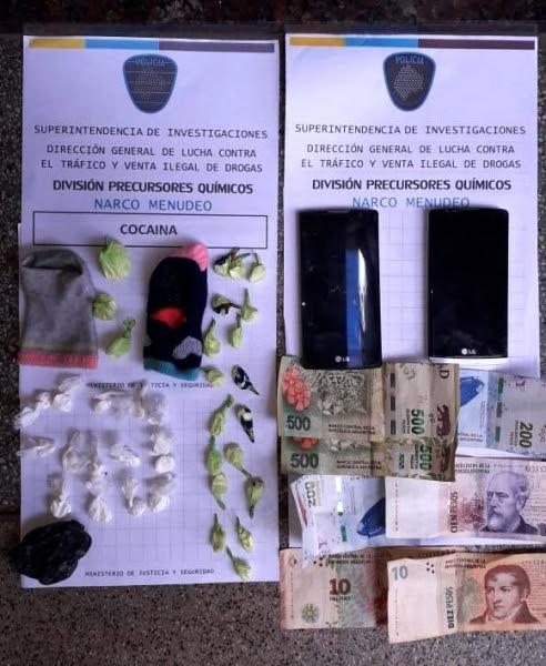 Floresta: detienen a una pareja que comercializaba cocaína escondida dentro de pares de medias