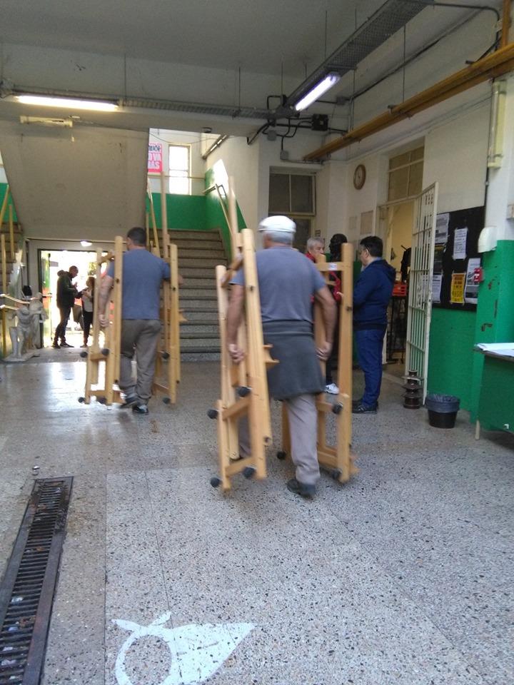 Comenzó la mudanza del Yrurtia   Desde el lunes se dictarán las clases en el nuevo edificio