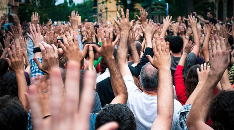 Los ciudadanos de la Comuna 10 se hacen escuchar | Convocan a las autoridades de la Junta Comunal a una Audiencia Pública para discutir los tarifazos y la inseguridad