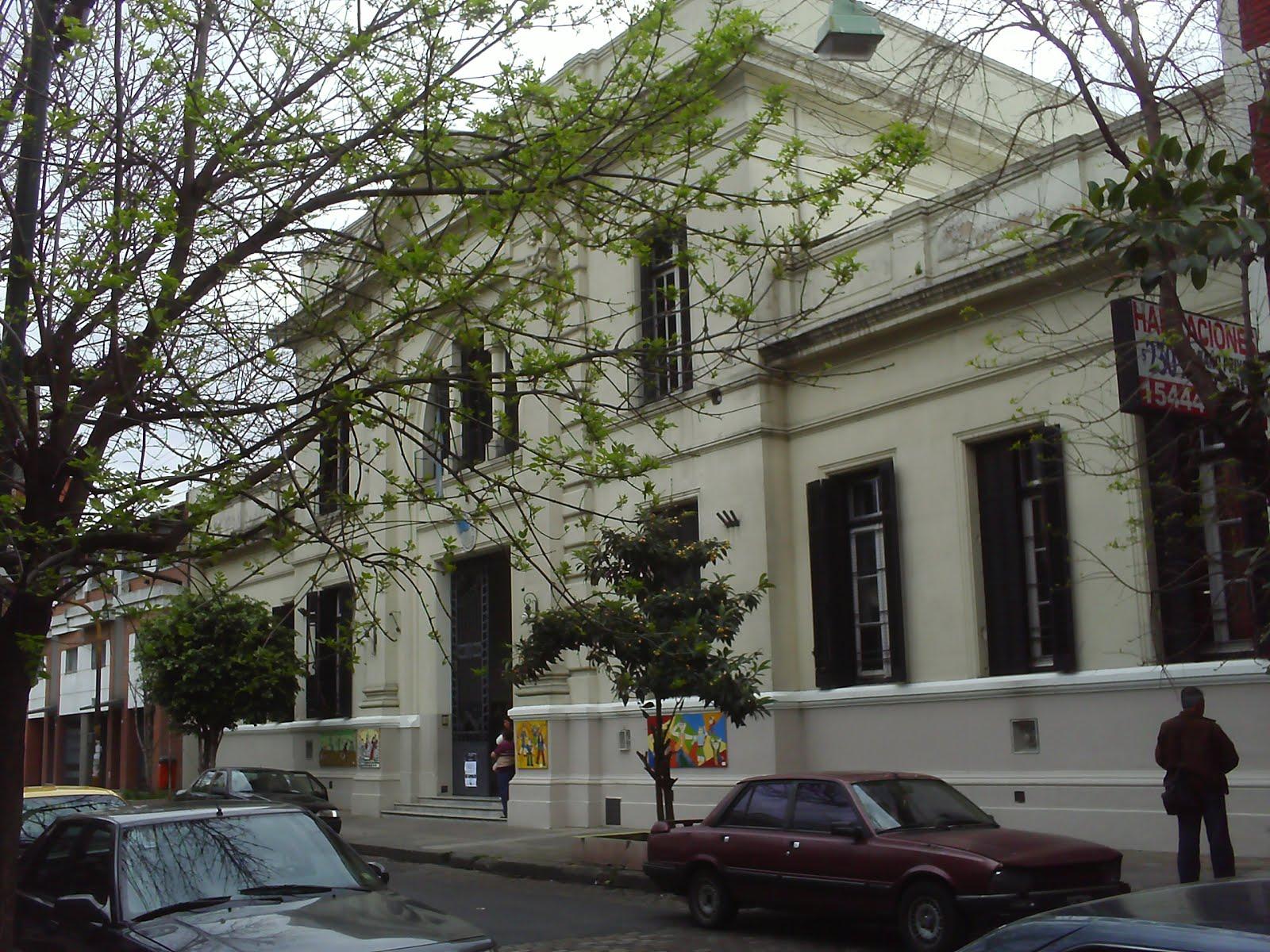La Escuela 24 DE 12 Padre Castañeda junta donaciones para las familias del hotel incendiado en Flores