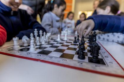 El Aguado vuelve a ser sede del Torneo de Ajedrez Escolar | Para festejar, convocan a ex alumnos a jugar un amistoso