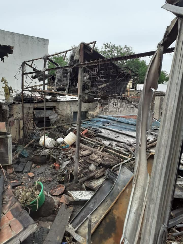 Floresta, un barrio con un corazón gigante | Un incendio le destruyó la vivienda y los vecinos están colaborando para volver a construirla