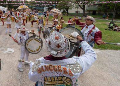Villa Real se viste de carnaval | Del sábado 22 al martes 25 habrá corso en Plaza Las Toscaneras