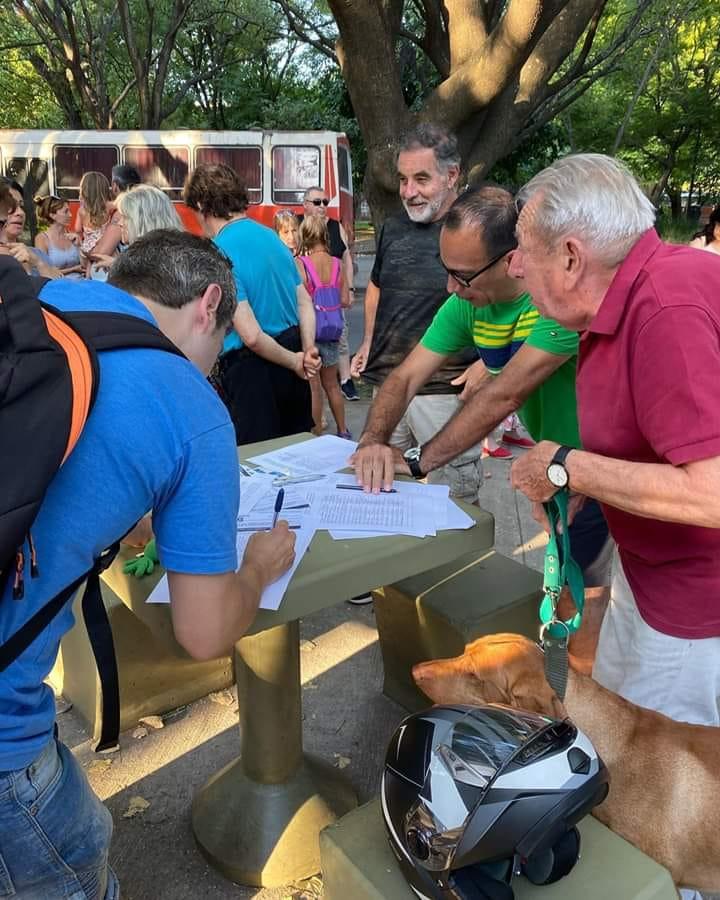 En busca de explicaciones | Vecinos se concentrarán en la sede de la Comuna 10 para exigir seguridad en la Plaza Monte Castro