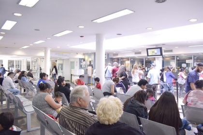 Coronavirus: reprograman turnos en el Hospital Vélez y solicitan no acercarse si no es por una urgencia