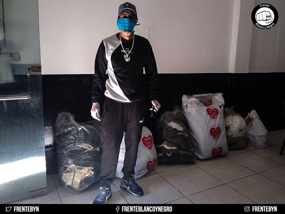 El barrio primero: solidaridad y compromiso en Floresta | Continúa la colecta de ropa y abrigo para gente en situación de calle