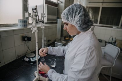 Farmacoop producirá test rápidos para detectar COVID-19 | La empresa recuperada de Villa Luro se hace fuerte frente a la pandemia