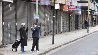 Pese al crecimiento de contagios, reabren los comercios de avenida Avellaneda