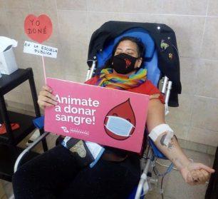 Escuela que está donando también está enseñando | Exitosa colecta de sangre en la Escuela Alejandro Aguado