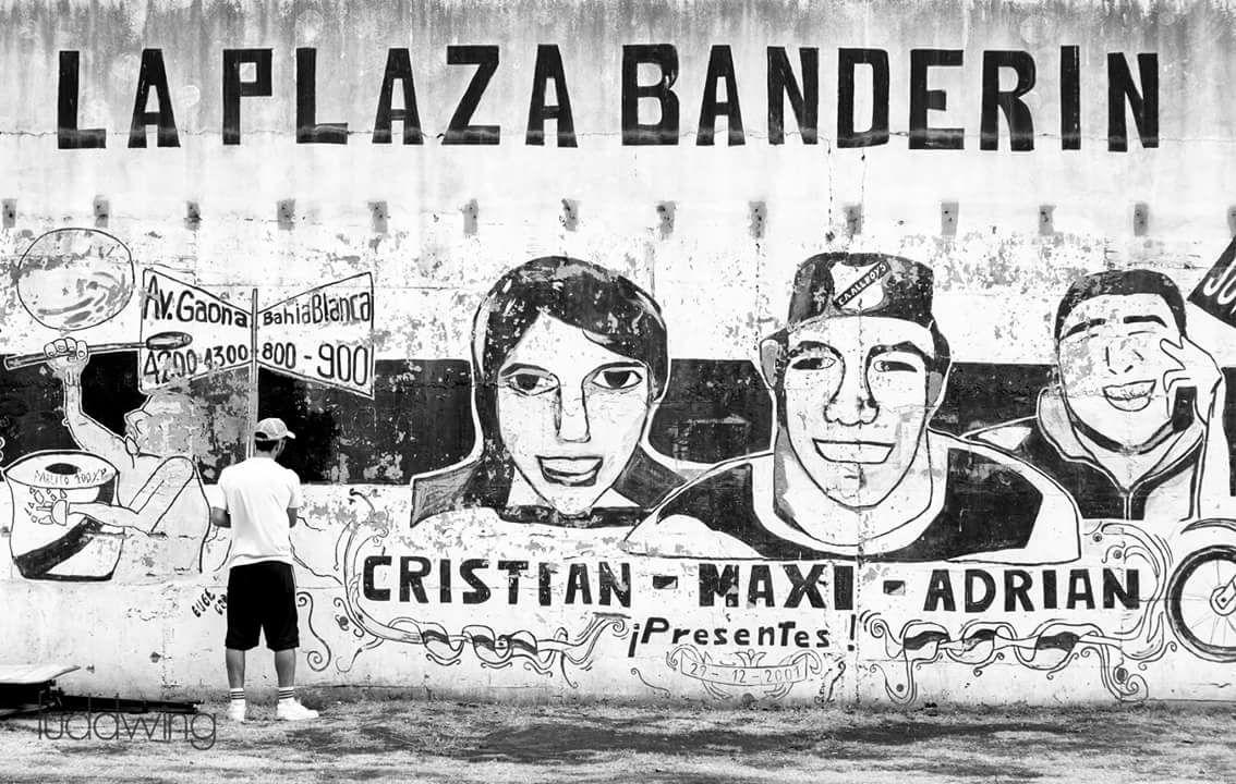 Domingo de pintada y restauración de murales en Plaza Banderín