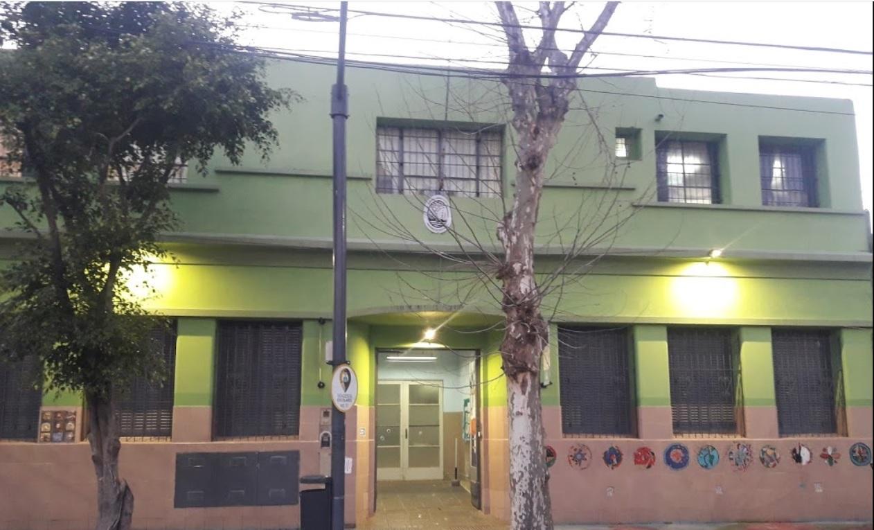 """Versalles: Reportan un caso de Coronavirus en la Escuela 24 DE 18 """"Maipú""""   Son más de 70 en toda la Ciudad"""