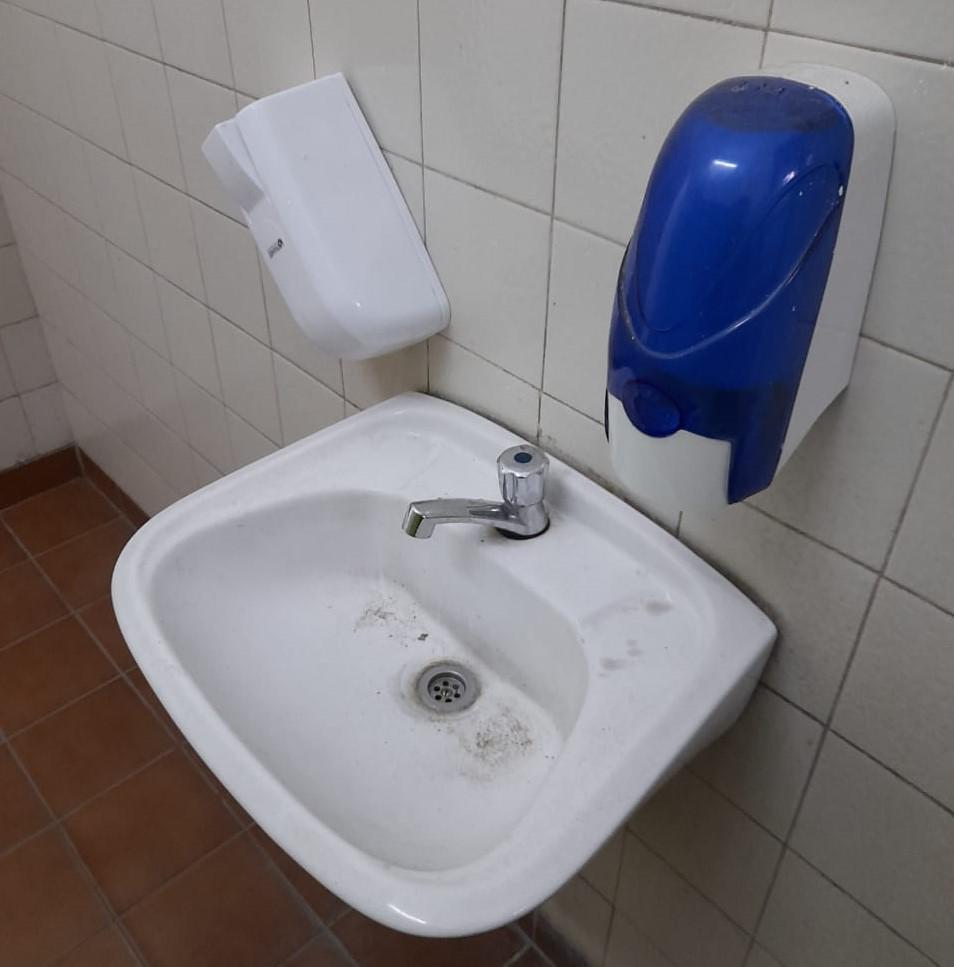 Vuelta a clases: el GCBA contrató a empresas de limpieza por $1000 millones pero las escuelas siguen sin jabón ni alcohol en gel