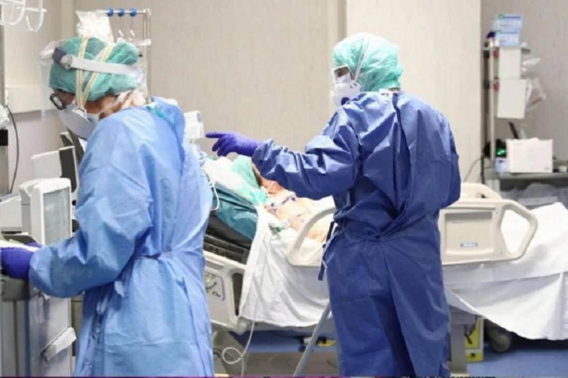 """Hospital Vélez Sarsfield: """"Las camas de terapia intensiva de Covid están al 100%"""""""