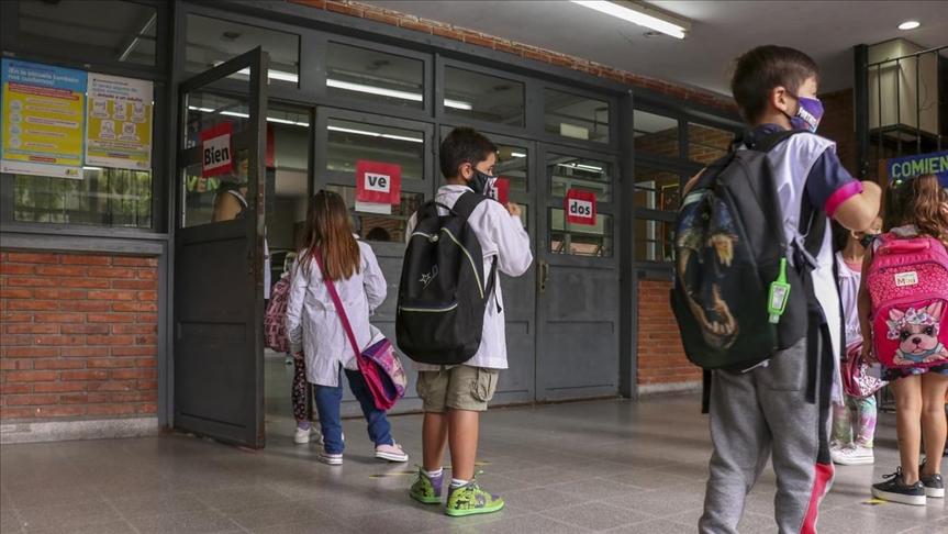 Solicitan comenzar a testear a estudiantes mayores de 6 años convivientes con casos de Covid positivo